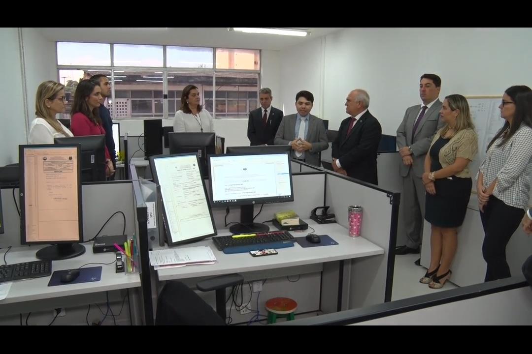 Otávio Praxedes visita nova Secretaria de Processamento Unificado